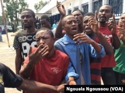"""Les """"bébés noirs"""" à Brazzaville, le 11 mai 2017. (VOA/Ngouela Ngoussou)"""