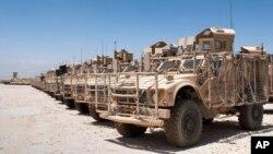 Các xe quân sự của Hoa Kỳ. (Ảnh: AP Photo/U.S. Army, Staff Sgt. Michael Behlin)