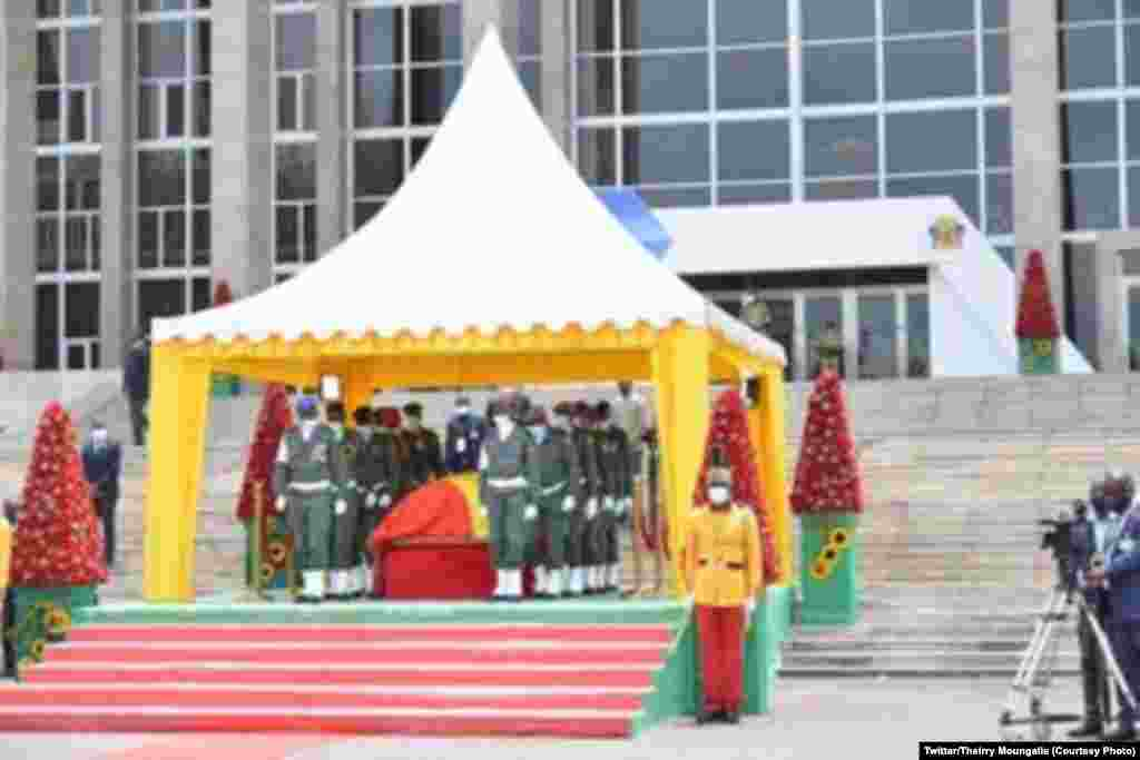 Matanga ma mokonzi ya kala ya Congo-Brazzaville Jacques Joachim Yhombi Opango na Brazzaville, 30 octobre 2020. (Twitter/Thierry Moungalla)