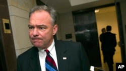 支持出台枪支管控法的参议员之一、来自维吉尼亚州的民主党人蒂姆·凯恩(资料照片)