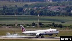 Një avion i linjës ajrore të Katarit