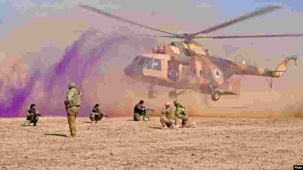 امریکا په تیرو یوولسو کلونو کې د افغانستان د هوایي ځواک پر بیرته جوړولو ۸ میلیارد ډالر مصرف کړي دي.