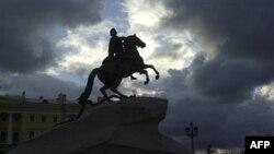 Памятник Петру Первому на Сенатской площади. Санкт-Петербург. Россия. 2005 год