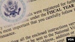 Cada año se emiten unos 140.000 permisos de residencia a extranjeros que laboran en EE.UU.