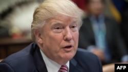 El presidente de EE.UU., Donald Trump, se burló de la presentadora de MSNBC Mika Brzezinski y de su co-presentador Joe Scarborough en una serie de tweets.