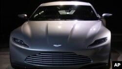 La automotriz británica Aston Martin anunció que el agente secreto James Bond manejará su modelo DB10 en el nuevo film de la franquicia.