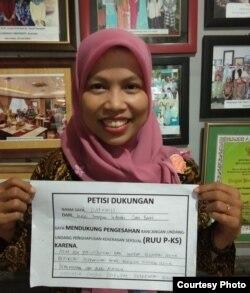 Sekretaris Koalisi Perempuan Indonesia (KPI) Jawa Barat, Darwinih, menegaskan DPR bisa memanfaatkan satu masa sidang yang tersisa. (Courtesy Koalisi Perempuan Indonesia)