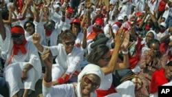 幾百名婦女在塞內加爾首都達喀爾遊行。