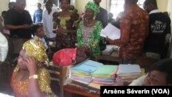 Les agents de l'Etat pendant le recensement à Brazzaville en 2018, le 29 janvier 2019. (VOA/Arsène Séverin)