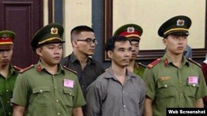 Các bị cáo tại phiên tòa ngày 5/10/2018. Photo SGGP