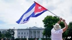 Un alto funcionario de la Administración Biden en entrevista con la Voz de América indicó que las decisiones relacionadas con las restricciones comerciales hacia Cuba deben venir del Congreso.