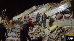 1月24日星期五,土耳其遭遇6.8级地震,至少21人死亡。