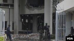 """Sekjen PBB Ban Ki-moon menyebut serangan bom di kompleks PBB di Abuja sebagai """"serangan terhadap mereka yang mengabdikan hidupnya untuk menolong orang lain"""" (26/8)."""