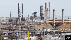 Nhà máy lọc dầu Chevron ở Richmond, California.