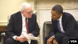 El multimillonario Warren Buffett con el presidente Obama en la Casa Blanca.