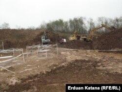 Tomašica u blizini Prijedora jedna je od najvećih masovnih grobnica u BiH. Otkrivena je 2013. godine.