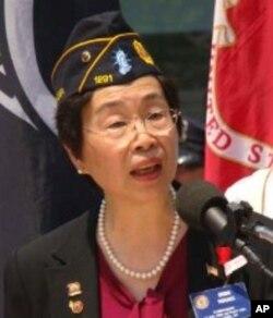 紐約華裔退伍軍人會會長王咪咪