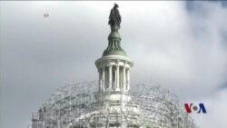不同国籍的移民一同修缮国会大厦穹顶
