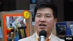 香港立法會議員范國威認為,港府公佈的十招打擊水貨客措施,治標不治本