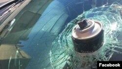 عکسی که خانم ایرز از شیشه اتومبیلش در صفحه فیسبوکش پست کرده است.
