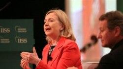 هیلاری کلینتون: جهان می خواهد صادقانه با ایران گفت و گو کند