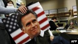 Người ta cho rằng tài sản cá nhân của ông Romney vào khoảng từ 190 triệu đến 250 triệu đôla – tích lũy trong thời gian ông điều hành một công ty đầu tư tư nhân