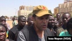 Smokey, leader du Balai citoyen à Ouagadougou, Burkina, le 11 octobre 2017. (VOA/Issa Napon)