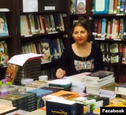 شیوا شکوری در نمایشگاه کتاب تهران بدون سانسور
