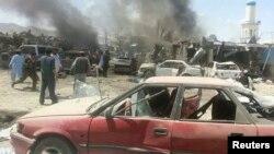 15일 아프가니스탄 동부 팍티카 주의 한 시장에서 차량 폭탄 공격이 발생했다.