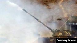 지난 해 연평도 포격 4주기를 이틀 앞두고 인천 옹진군 연평도 군 부대에서 서북도서 해상사격훈련이 진행됐다.