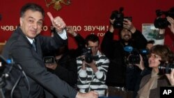 黑山現任總統武亞諾維奇4月7日參加投票。
