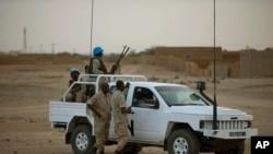 Un véhicule des Casques bleus à Kidal, au Mali. (AP Photo/Rebecca Blackwell)