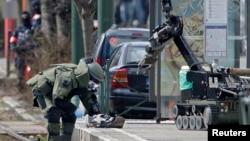 Policija koristi robota tokom pretrage Šaerbeka