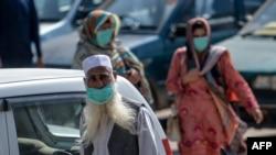 حکام کے مطابق کراچی میں کرونا کی چوتھی لہر زیادہ مہلک ثابت ہورہی ہے۔(فائل فوٹو)