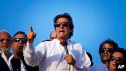 سربراہ تحریک انصاف عمران خان (فائل فوٹو)
