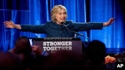 힐러리 클린턴 미 민주당 대선후보가 지난 9일 뉴욕에서 열린 지지 행사에서 연설하고 있다.