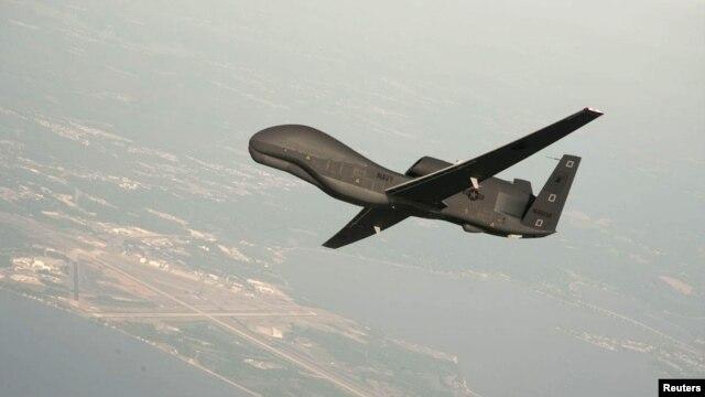 Foto de un drone RQ-4 Global Hawk proporcionada por la fuerza naval de Estados Unidos, similar al que fue atacado por un avión de la Fuerza Aérea iraní.