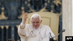 Vatican lên tiếng bảo vệ Đức Giáo hoàng