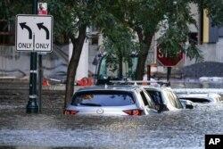 Машини затопило в Філадельфії, Пенсильванія