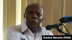 Le général Jean Marie Michel Mokoko, jugé et condamné à 20 ans de reclusions. (VOA/Arsène Séverin)