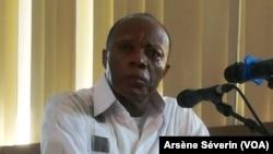 Général Jean Marie Michel Mokoko akatelama mibu 20 mya boloko. (VOA/Arsène Séverin)