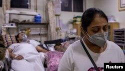 Zaraženi koronavirusom u bolnici u New Delhiju. (Foto: Reuters/Danish Siddiqui)