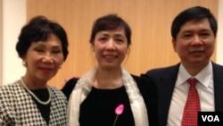 Vợ chồng Tiến sĩ Luật Cù Huy Hà Vũ – Luật sư Nguyễn Thị Dương Hà và bà Jackie Bông Wright tại buổi thuyết trình về dân chủ hóa Việt Nam tại NED ngày 11-12-2014.