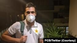 محمد عامر کے انگلینڈ میں بھی کرونا وائرس کے دو ٹیسٹ ہوں گے جن کا منفی آنا ضروری ہے۔
