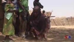 Portrait d'une jeune fille handicapée dans un camp de Diffa (vidéo)