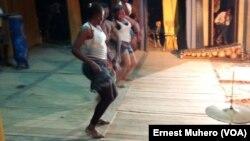 Au Sud Kivu, la première édition du festival Umoja Grands Lacs se tient depuis le 27 août. (VOA/Ernest Muhero)
