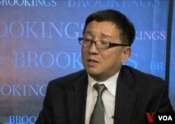 華盛頓智甚布魯金斯學會的資深中國問題專家李成
