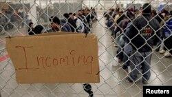 Nedokumentovani migranti u pritvoru Agencije za zaštitu granica i carine