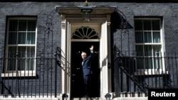برطانوی وزیرِ اعظم یورپی یونین سے علیحدگی کے معاملے پر 'ڈو اور ڈائی' کی پالیسی پر عمل پیرا ہیں۔ (فائل فوٹو)