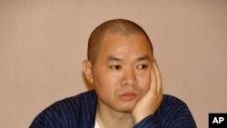 目前仍被當局拘禁的四川著名網絡作家冉云飛(資料照片)